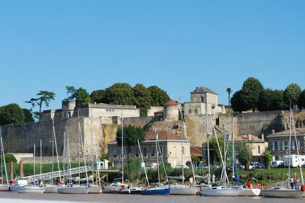 Bourg-sur-Gironde réceptionne un second ponton